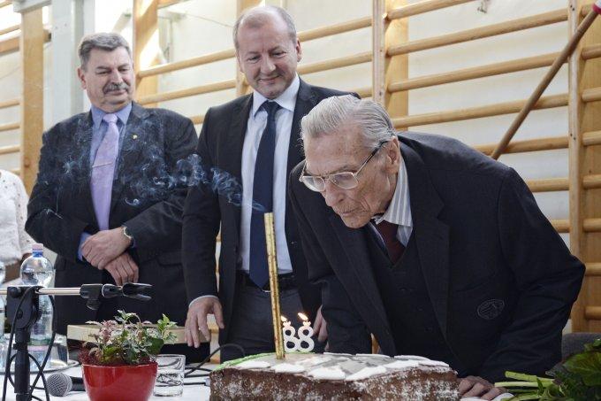 Grosics Gyula születésnapi tortája