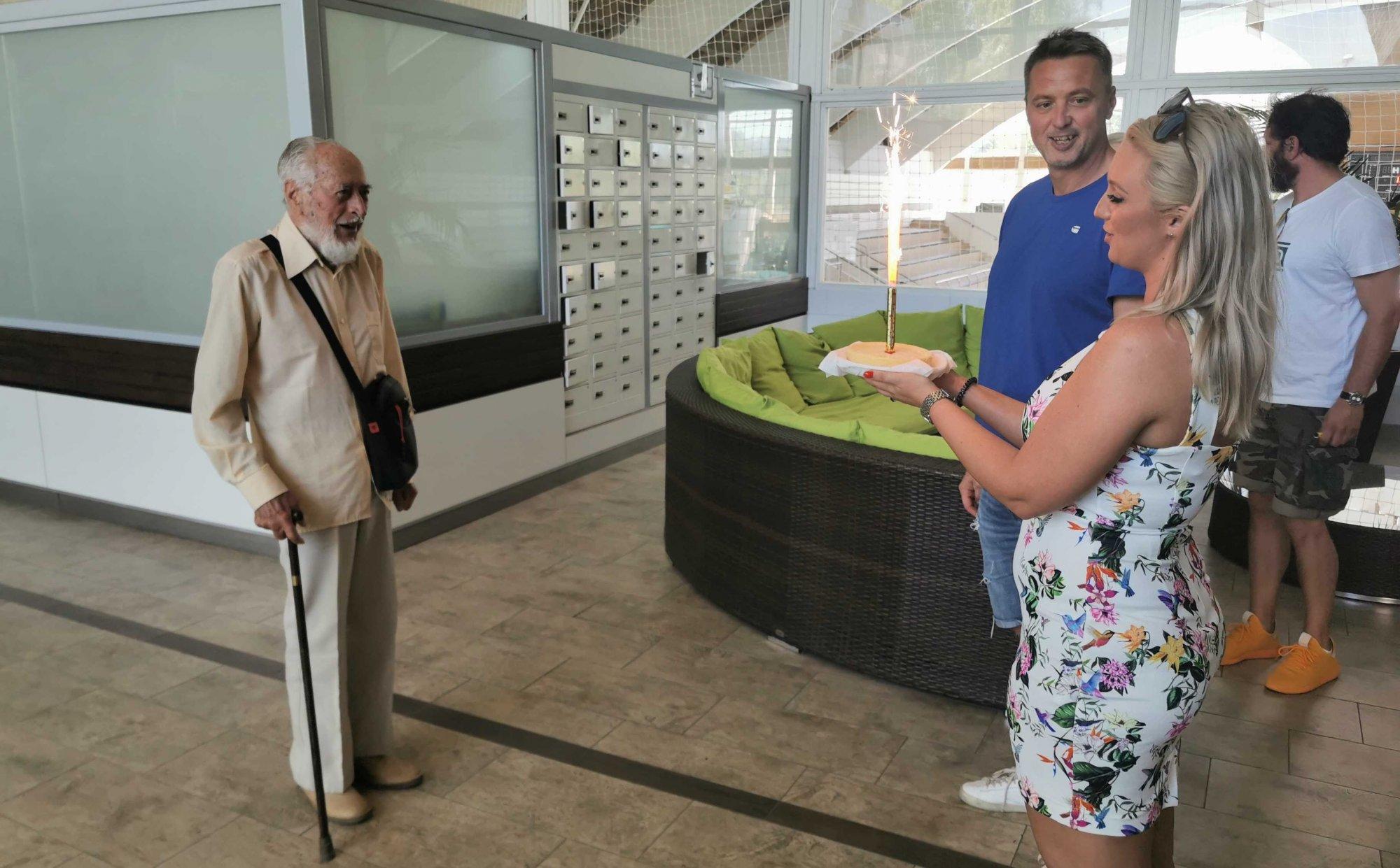 Újbuda legidősebb úszója 101 éves lett: