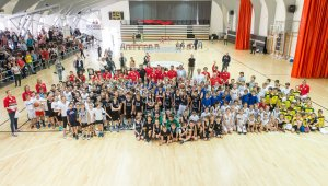 Az Alsós Kupa résztvevői a Gabányi László Sportcsarnokban